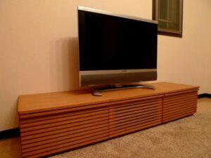 テレビ台と液晶テレビ